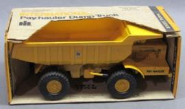 E00425 CIH Pay Hauler Dump Truck