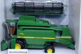 B40423 John Deere 2266 combine