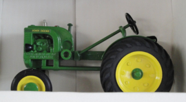 CUST178 JD LA Tractor