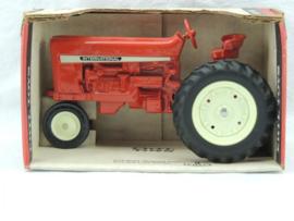 E00415 CIH  Farmall 544 1969