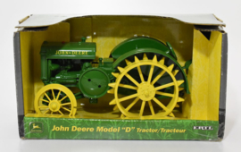 E05179 JD D Tractor