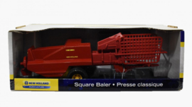 E13758 NH Sqaure Baler