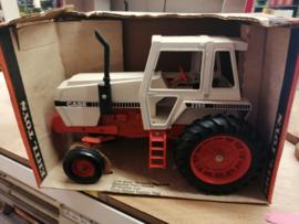 E00268 Case 2390 Tractor