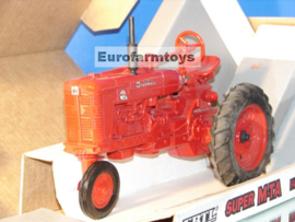E00445DO CIH Farmall Super M-TA