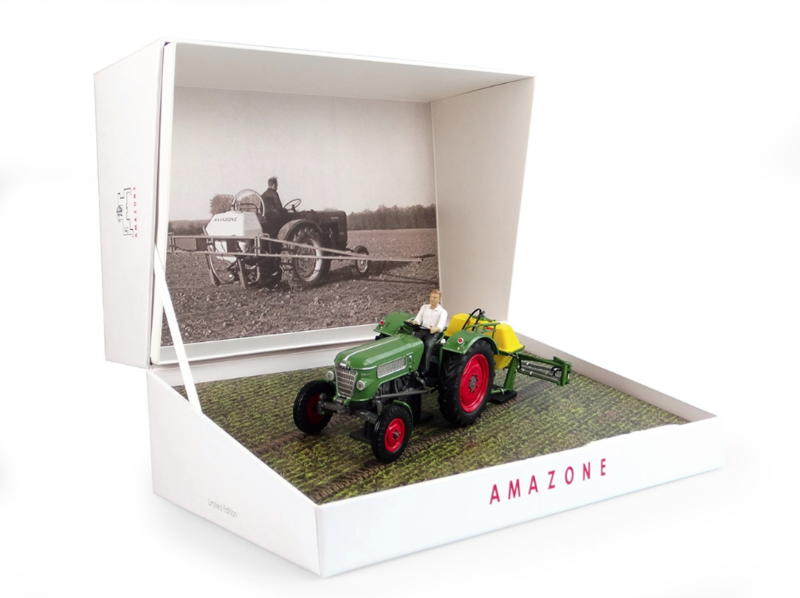 UH6201 Fendt Farmer 2 + Amazone 300S