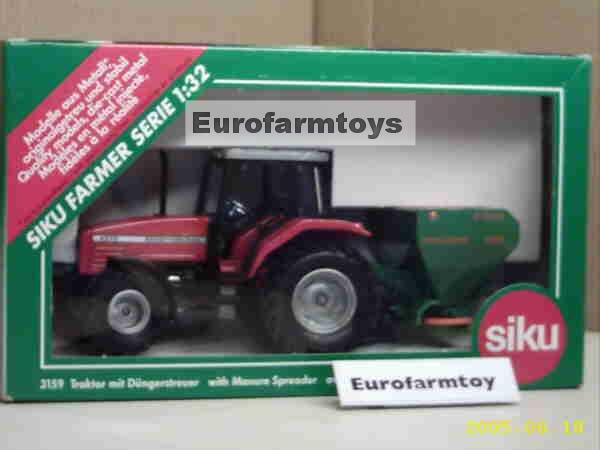 S03159X  Massey Ferguson Tractor met Kunstmeststrooier