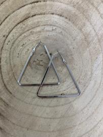 Hangoorbellen zilver driehoek