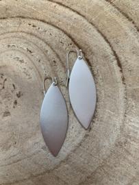 Hangoorbellen mat zilver ellips