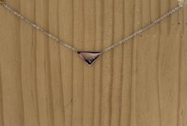 Ketting kort zilver driehoek