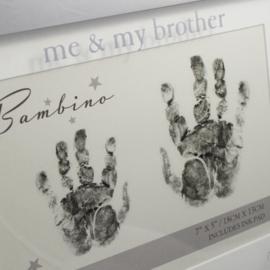 Fotolijst handafdrukjes, 'Me & My Brother'