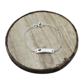 Baby plaat armbandje met hartje en sierlijke details, zilver