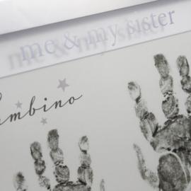 Fotolijst handafdrukjes, 'Me & My Sister'
