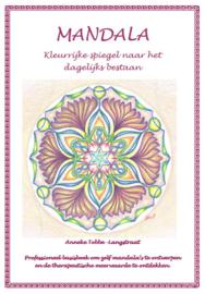 Mandala, kleurrijke spiegel