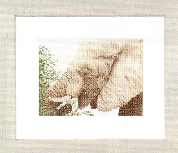 Lanarte Eating Elephant