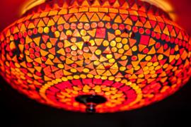 Plafondlamp mozaïek rood-oranje - 25 cm.