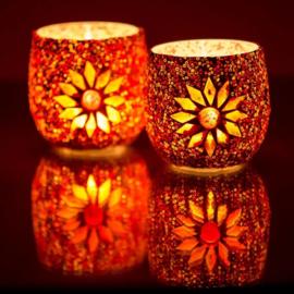 Waxinehouder rood oranje mozaiek en kralen. ( set prijs )