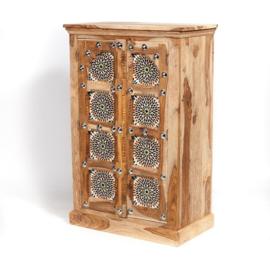Oosterse kast met multi color mozaïek panelen.