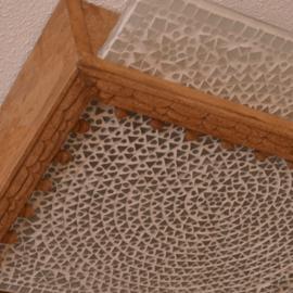 Oosterse plafondlamp Simla met verwisselbaar mozaiek paneel.