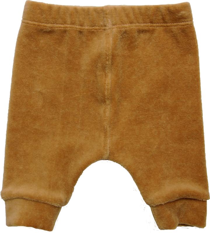 Prachtig  zacht velours broekje in een mooie camel kleur