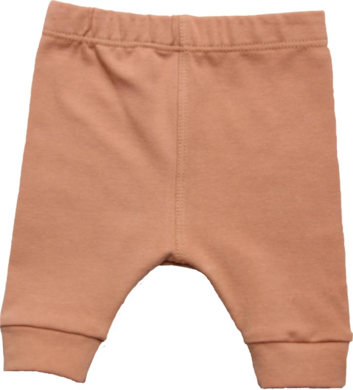 """Lief broekje in een prachtige """"dusty terracotta"""" kleur"""