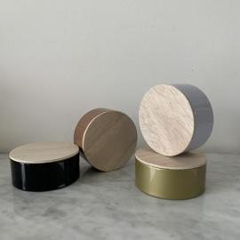 Metalen doosje met houten deksel - rond