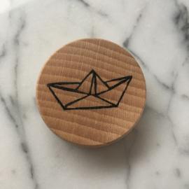 Houten magneet Origami bootje