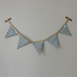 Kant en klare mini-vlaggenlijn met 5 vlagjes - Fijne ruit ijsblauw - gouden lint