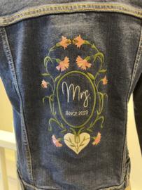 Spijker jasje geborduurd Bloemenkrans