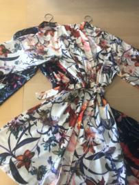 Kimono gebloemd