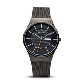 Bering horloge classic brushed zwart 12939-222