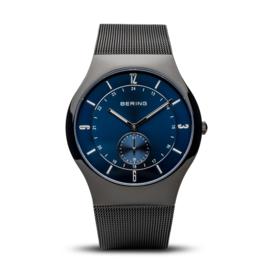 Bering horloge classic polished zwart blauw 11940-227