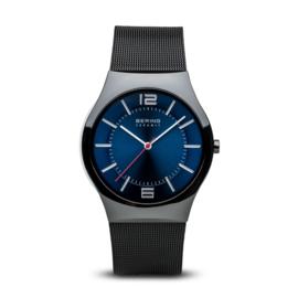 Bering horloge ceramic zwart blauw 32039-447