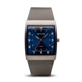 Bering horloge classic brushed grey blue 11233-078