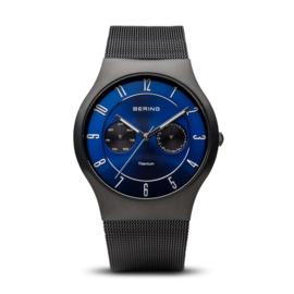 Bering horloge classic brushed titanium zwart blauw 11939-078
