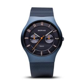Bering horloge classic brushed titanium Blauw 11939-393