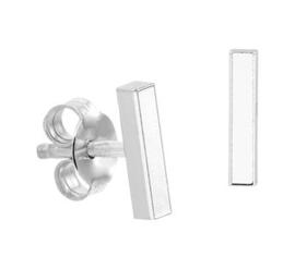 Zilveren staafje oorknopjes