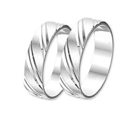 Zilveren Vriendschapsringen/relatie ringen schuin bewerkt