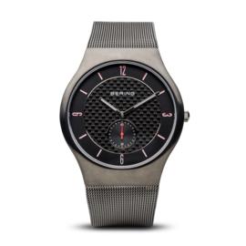Bering horloge classic brushed grijs zwart 11940-377