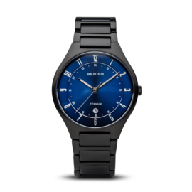 Bering horloge classic brushed titanium zwart blauw 11739-727