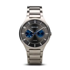 Bering horloge classic brushed titanium Grijs blauw 11539-777