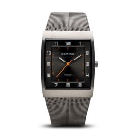Bering horloge classic brushed titanium zwart 11233-077