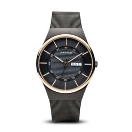 Bering horloge classic brushed zwart goud 12939-166
