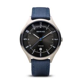 Bering horloge classic brushed titanium zilver blauw  11937-227