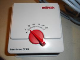 Märklin 6647 Transformator 32 VA