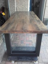 Douglas tafel 180 cm lang x 96 breed  donker