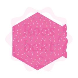 Hexagon met bloemenrand uitsteker 8cm