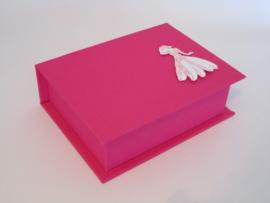 fuchsia roze met gestempelde dame