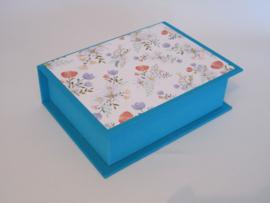 turquoise met bloemenpapier