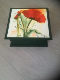 donkergroen met bloemen afbeelding