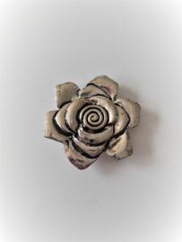 Zilverkleurige magneet broche (zilverkleurig | roos)